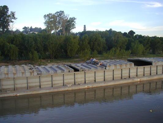 unknown grain barge near of port la paz entre r os argentina