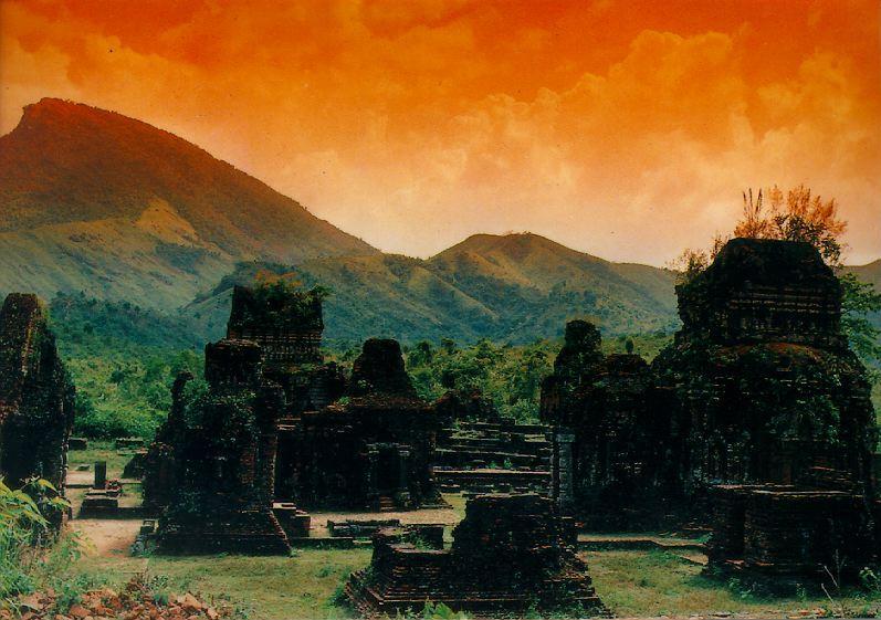 http://www.ibiblio.org/pub/multimedia/pictures/asia/vietnam/monuments/myson.jpg
