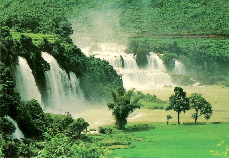 http://www.ibiblio.org/pub/multimedia/pictures/asia/vietnam/scenery/bandoc.jpg