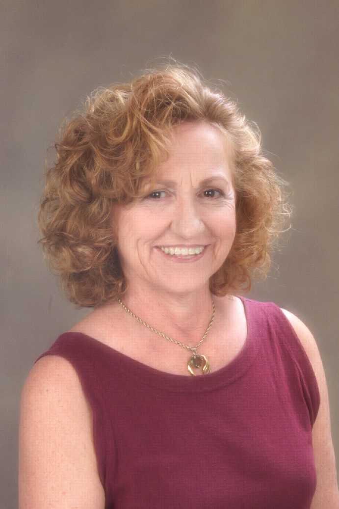 Sandra Hall Net Worth