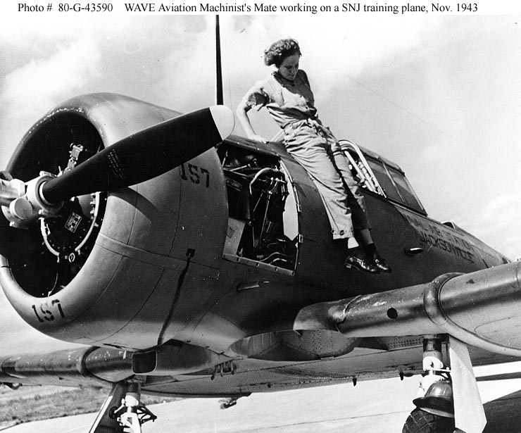 Women and the U.S. Navy -- WWII era WAVES -- Aviation Machinist's Mates