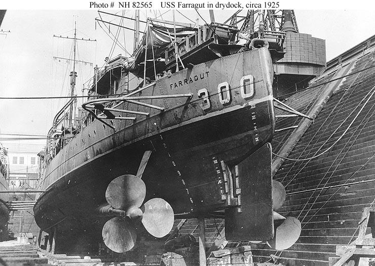 NH 82565 USS Farragut (DD-300)