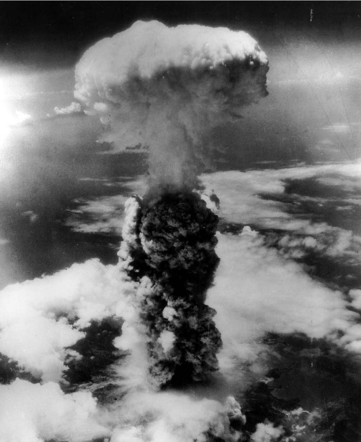 usa atomic bombing on himoshita The fire bombings of the cities had killed far more people than the atomic bombs did, but the atomic bombs had become a change in quantity that was a change in quality even at the very end, it was only the direct intervention of the emperor who only just barely prevailed over the military who wanted to fight on.