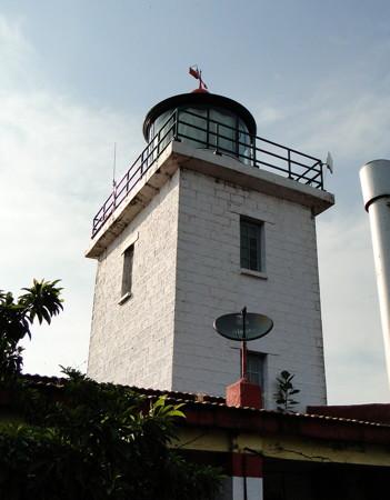 Tolkeshwar Point Light