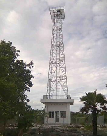 Pulau Lakor Light